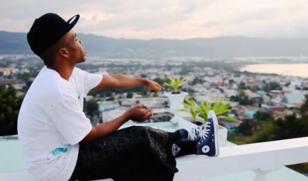 Curren$y (@CurrenSy_Spitta) – Excellent Ft. Trademark Da Skydiver and Young Roddy