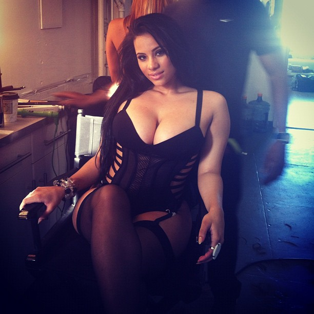 Cyn Santana (@Cyn_Santana) Cool Confusion Story Filled With Thirst (Video via @NerdAtCoolTable)