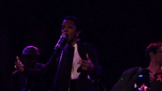 lhperfromslostone Lauryn Hill   Lost One [ReVamped] (Live At Bowry Ballroom) (Video)