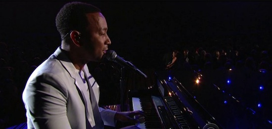 9vdfGWm John Legend – All Of Me (Live At The GRAMMYs) (Video)
