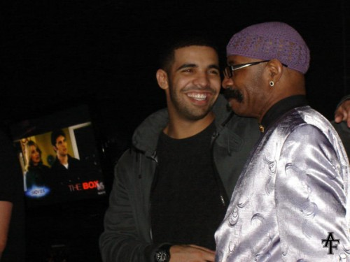 drake dad1 500x375 Drake Gets Tattoo Portrait Of His Father