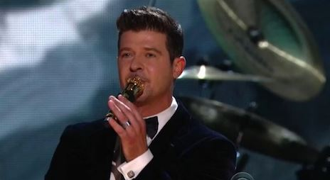 rtonthegrammys Robin Thicke & Chicago – Blurred Lines (Live At The GRAMMYs) (Video)