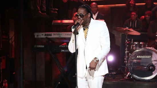 fJYMZhZ 2 Chainz – Outroduction (Live On Jimmy Fallon) (Video)