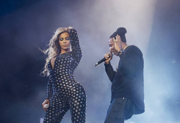 beyonce jay z1 1 Beyonce Brings Out Jay Z In London (Video)
