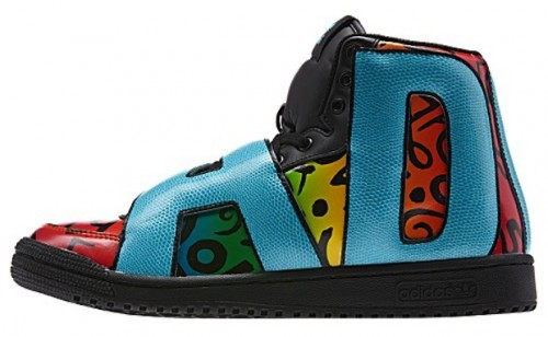 "Jeremy Scott x adidas Letters Multicolor 5 500x308 Jeremy Scott x Adidas Letters ""Multicolor"" (Photos)"