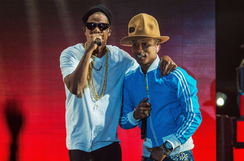 Pharrell Brings Out JayZ At Coachella Jay Z, Usher, T.I., Busta Rhymes & Pusha T Join Pharrell At Coachella (Video)