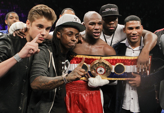 Justin Bieber Lil Wayne Floyd Mayweather 50 cent Lil Wayne & Maidanas Entourage Scuffle It Out After Floyd Takes The Victory (Video)