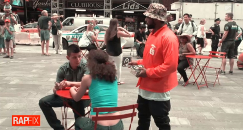 Schoolboy_Q_Selling_Albums_Times_Square