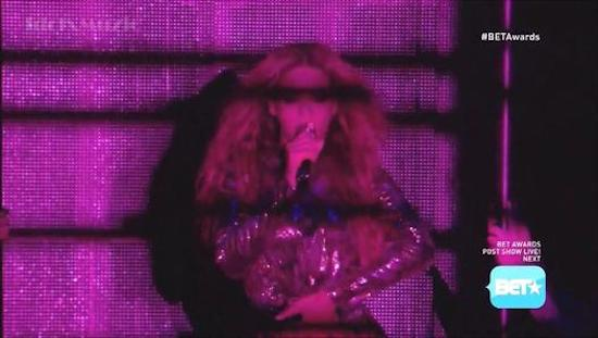 beyonce-jay-z-partition-remix-live-at-2014-bet-awards-video-HHS1987