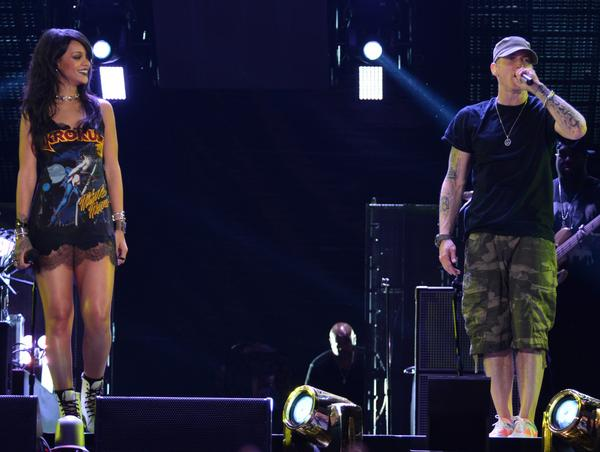 BugztC9CUAA0bSI Eminem & Rihanna Kick Off Monster Tour In Los Angeles (Video)