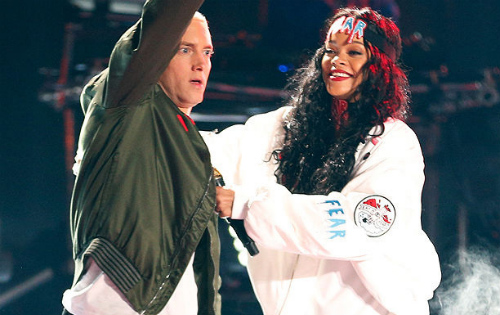 Eminem Rihanna Lollapalooza Eminem Joined By Rihanna At Lollapalooza (Video)
