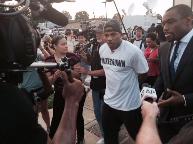 nellyferguson 630x472 Nelly Joins Mike Brown Protesters In Ferguson, Missouri (Video)