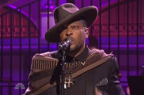 D'Angelo Performs On Saturday Night Live (Video)