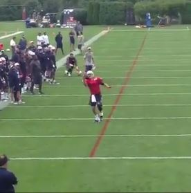 Tom Brady Makes A Nice One Handed Touchdown Catch During Patriots Training Camp (Video