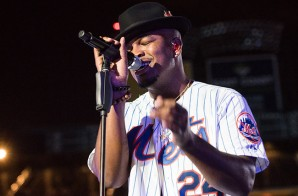 "Ne-Yo Covers ""Friend Like Me"" By Robin Williams From Aladdin"